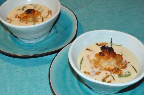 jordartskockssoppa-med-svamp-och-parmesanknyte-och-vitloksconfit1