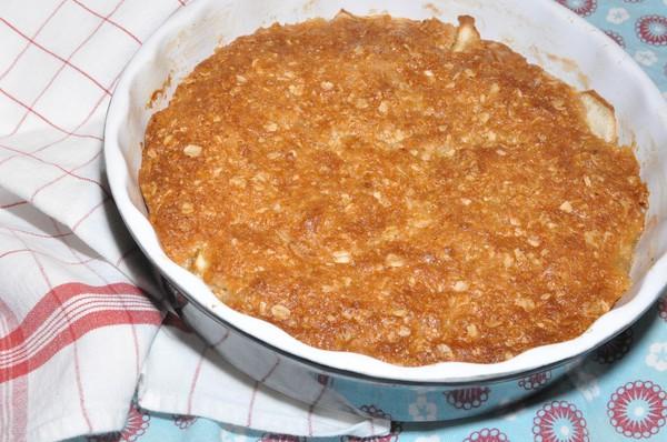 äppelkaka med knäcktäcke
