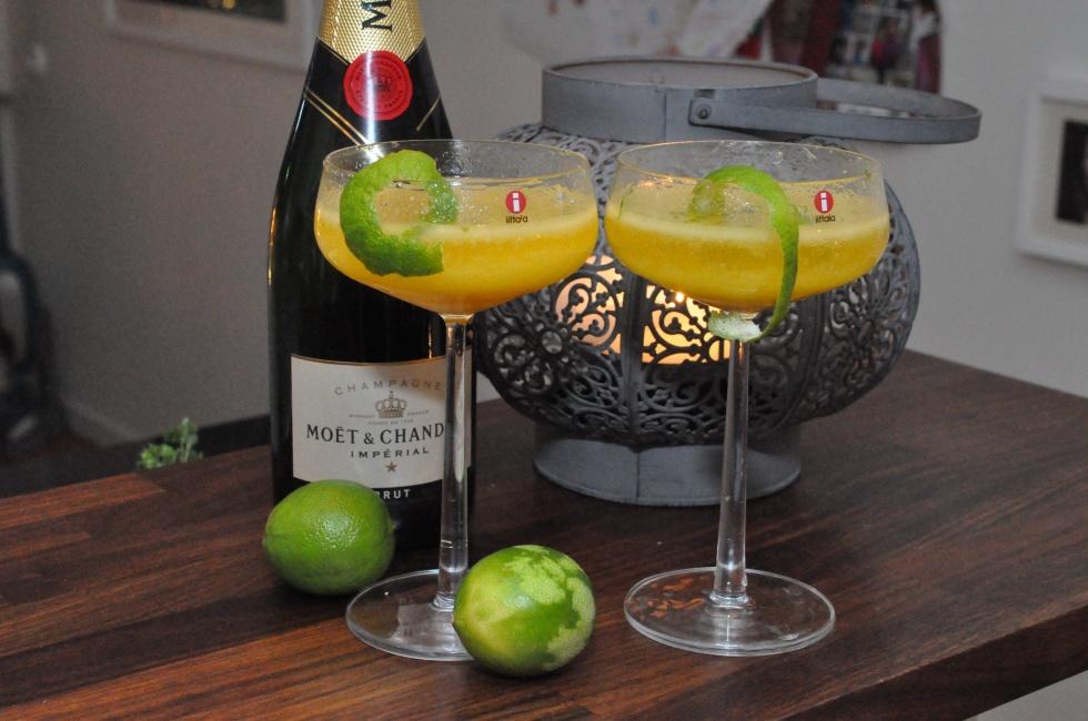 mango_bellini_mangobellini_cocktail_drink_champagne_champagnedrink