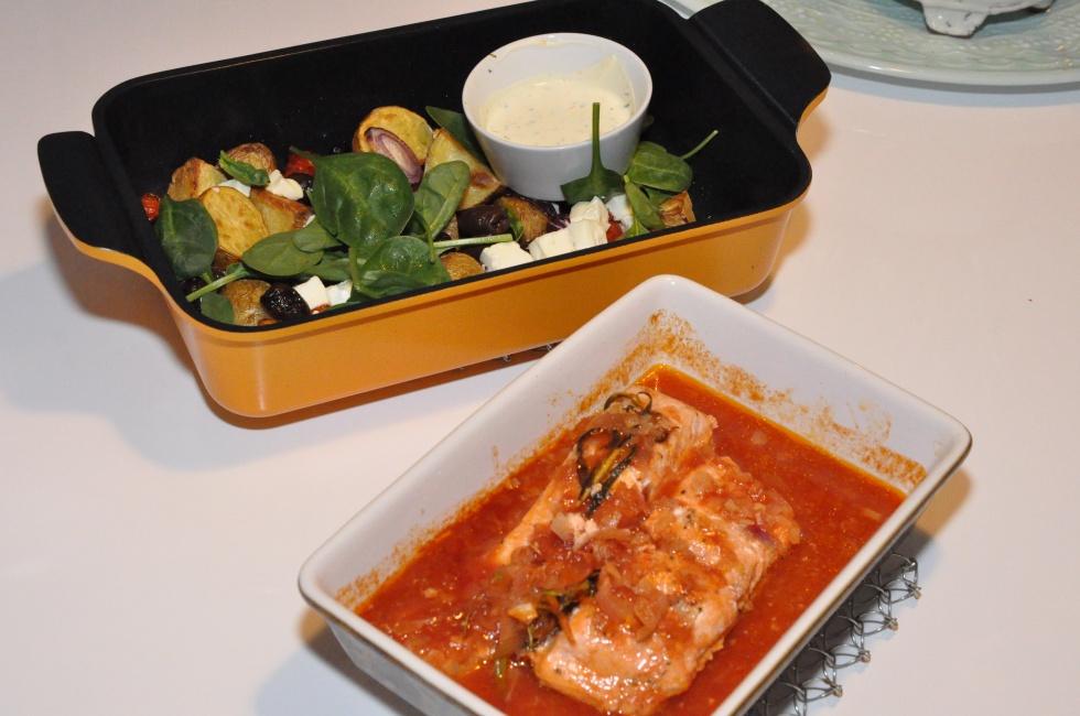 lax-i-tomatsky-och-ugnsrostat-med-feta-oliver-tomater-mm0