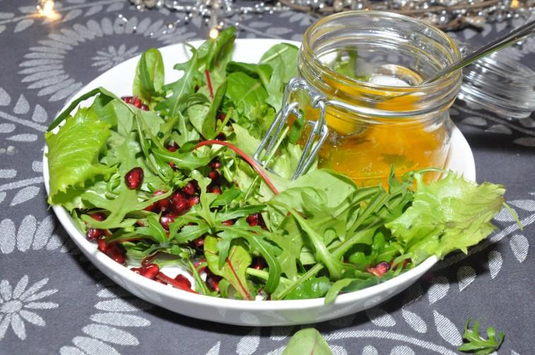 sallad med granatäpple apelsindressing vit balsamico