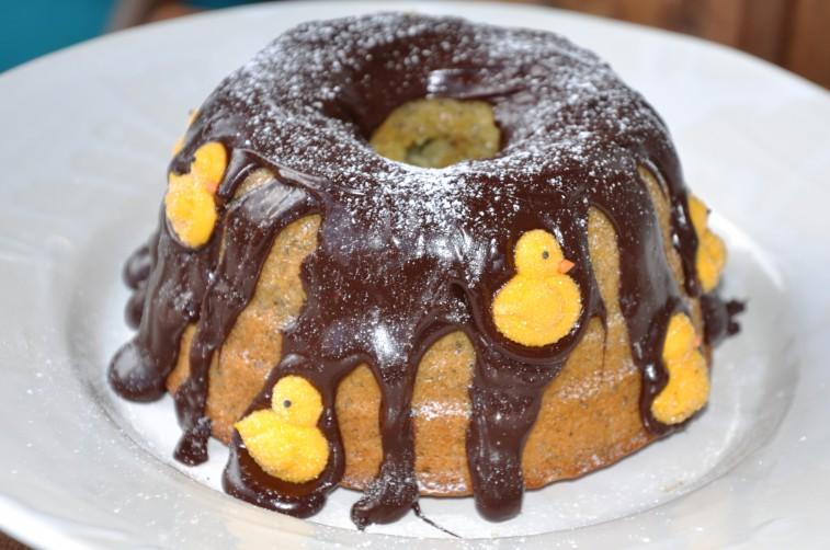 Tysk citronkaka med vallmofrön och chokladglasyr