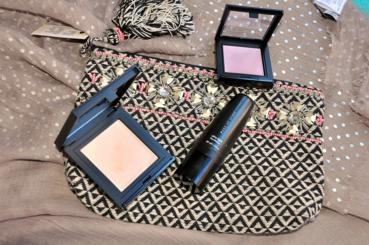 Flash Make up store