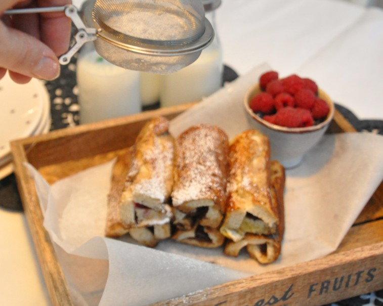 French toast roll up sugar