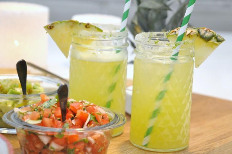 Agua de pina ananas drink dryck mocktail