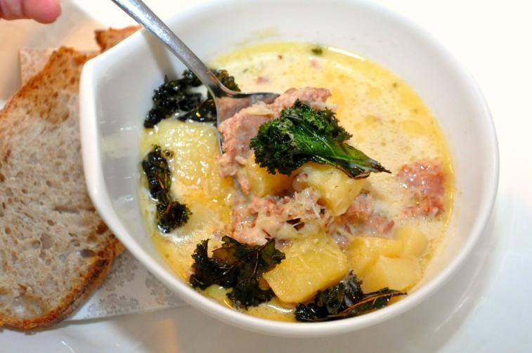 Toscansk soppa italienskt Zuppa de toscana