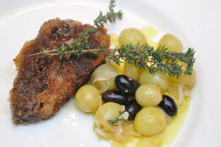 Varm druvsallad med oliver