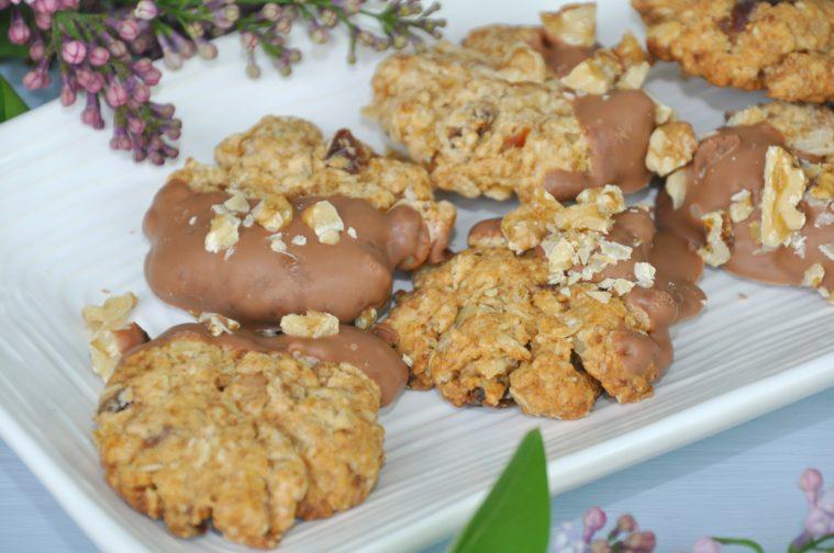Cookies med dadlar valnötter choklad