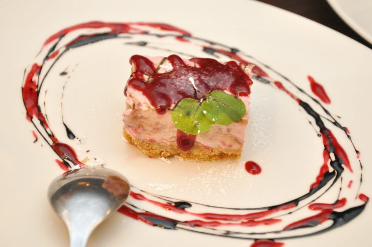 Bistro Mammsen hallon och lakrits cheesecake