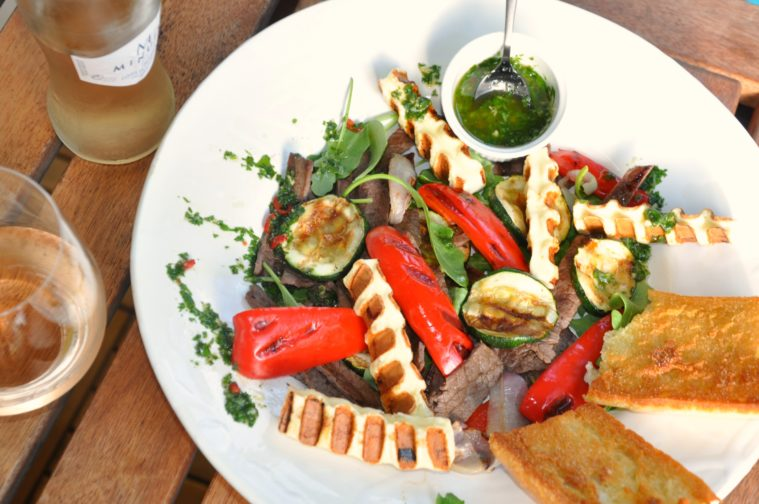 Tagliata grönsaker grillost italienskt