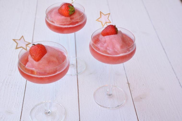 Frosé frozen rosé strawberry syrup lemon juice