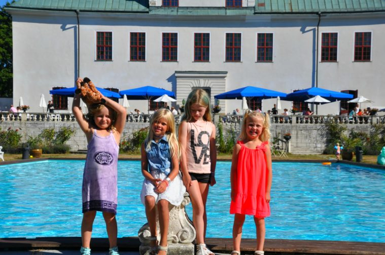 Häringe slott med barn