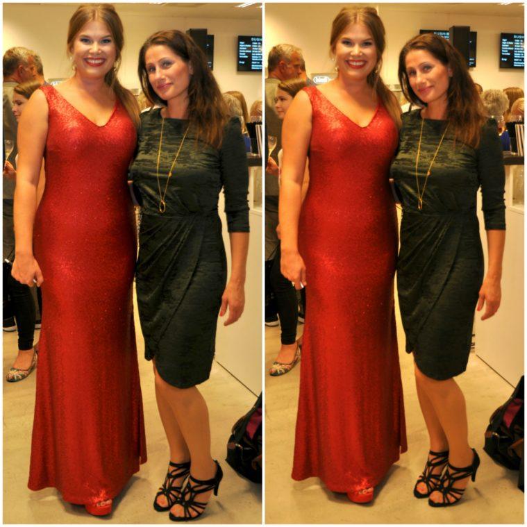 Jessica såg verkligen sådär helt strålande ut som alltid. Världens finaste  klänning hade hon som glittrade ikapp med henne. Jag snabbköpte min klänning  igår ... ff4b21afdd001