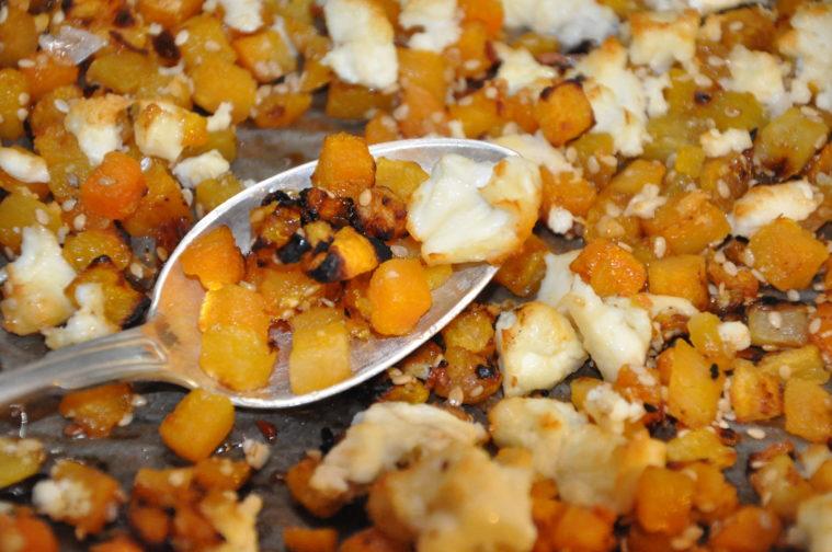 Rostad pumpa med feta, honung och chili