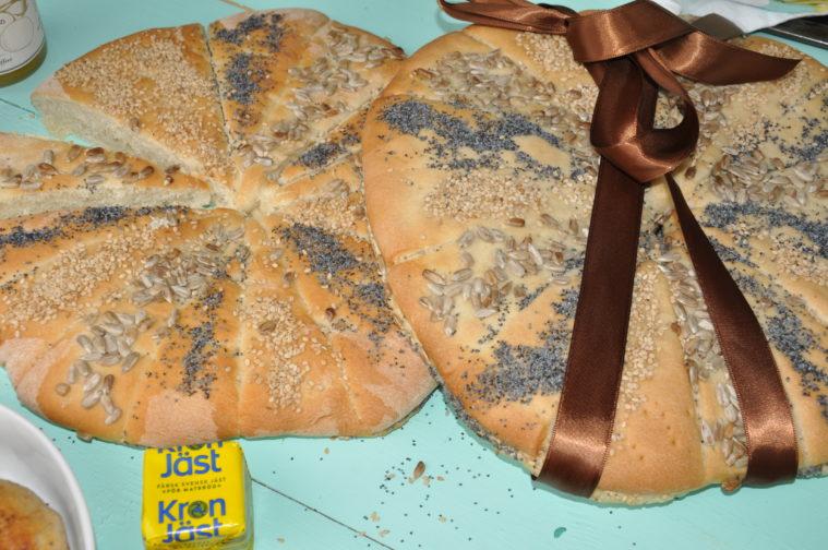 kuvertbröd hela sverige bakar bröd kronjäst