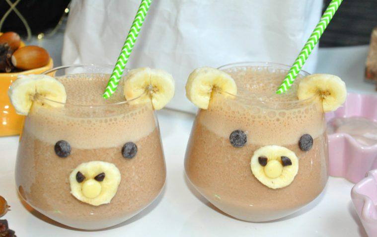 mjolkfri-smoothie-med-jordnotssmor-oatly-chokladdryck-banan