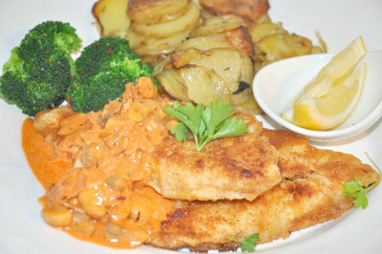 kycklingschnitzel-med-jagarsas-ugnsrostad-potatis-broccoli