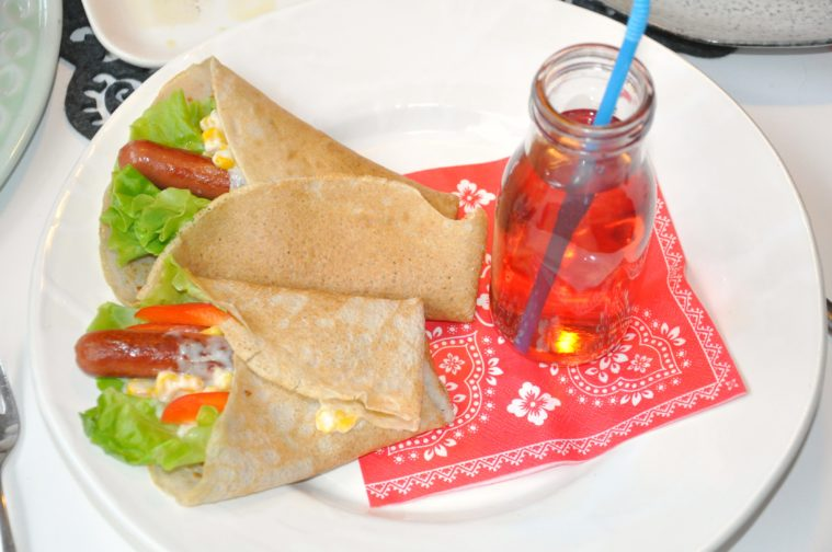 korvcrepes-med-bovetepannkakor-glutenfri-mjolkfri-barn-middag