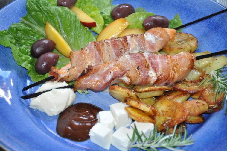Laxspett med bacon krispig potatis feta bbq sås majo