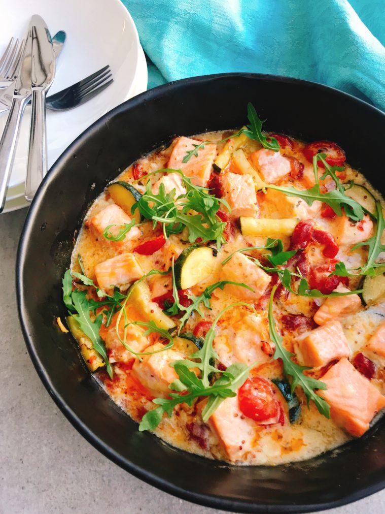 Lax i ugn med squash, grillad paprika och tomat