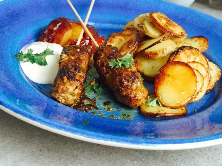 Marockanska lammspett med krispigt ugnsrostad potatis - Söndagsmiddag