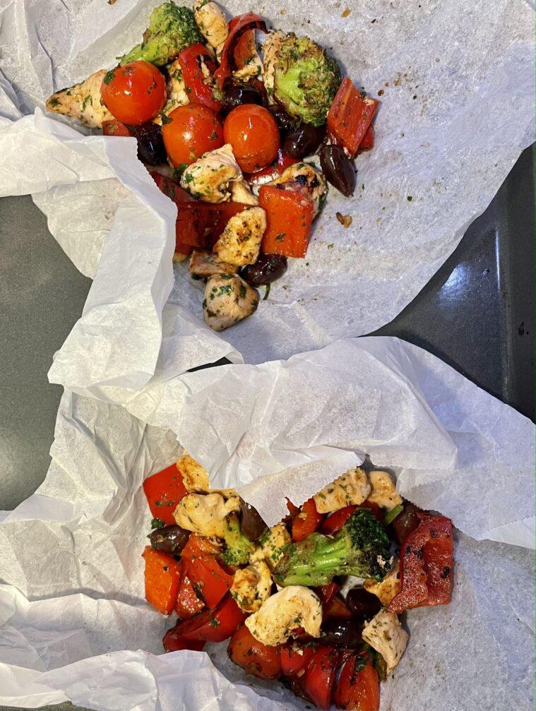 Kyckling i knyte med paprika och vitlök
